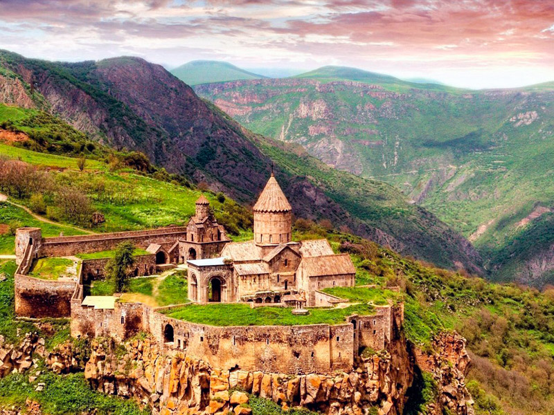 Travel all over the Armenia